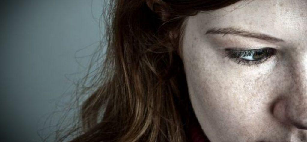 Donna in preda a depressione