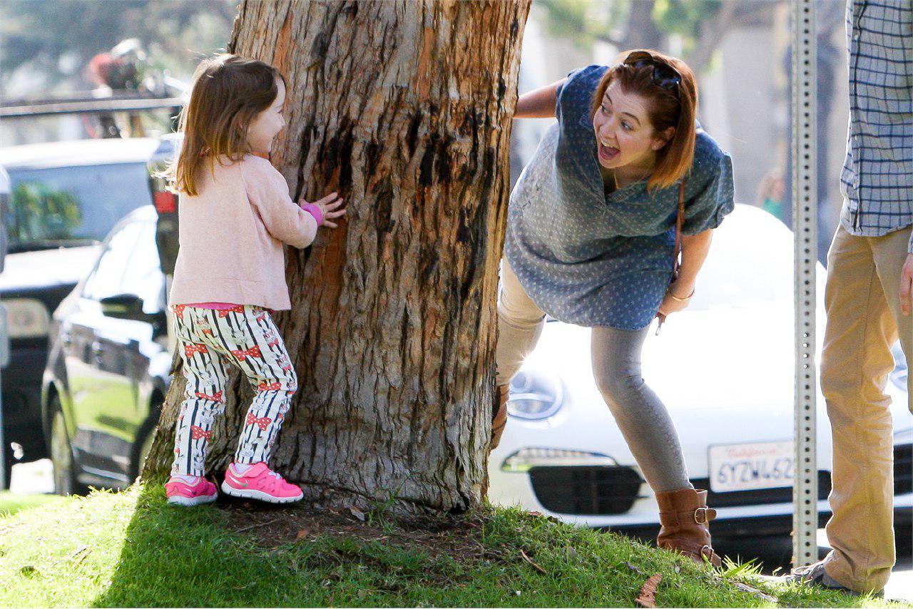 mamma che gioca con figlia